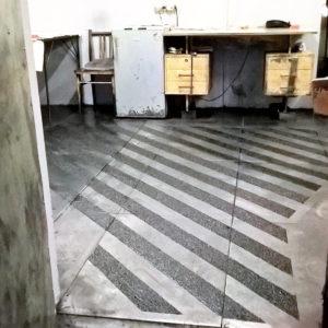 Protišmyková podlaha kabíny